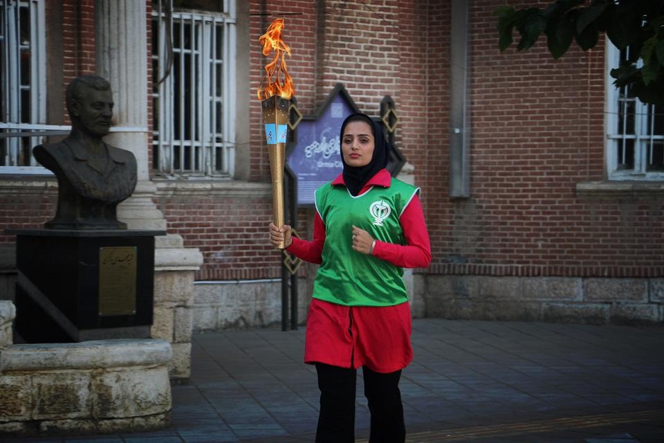 گزارش تصویری حرکت مشعل دوازدهمین المپیاد ورزشی دانشجویان علوم پزشکی دختر کشور در ارومیه